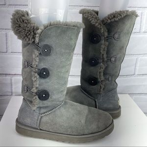 Ugg Bailey 3 button sz 10 gray suede wool boots